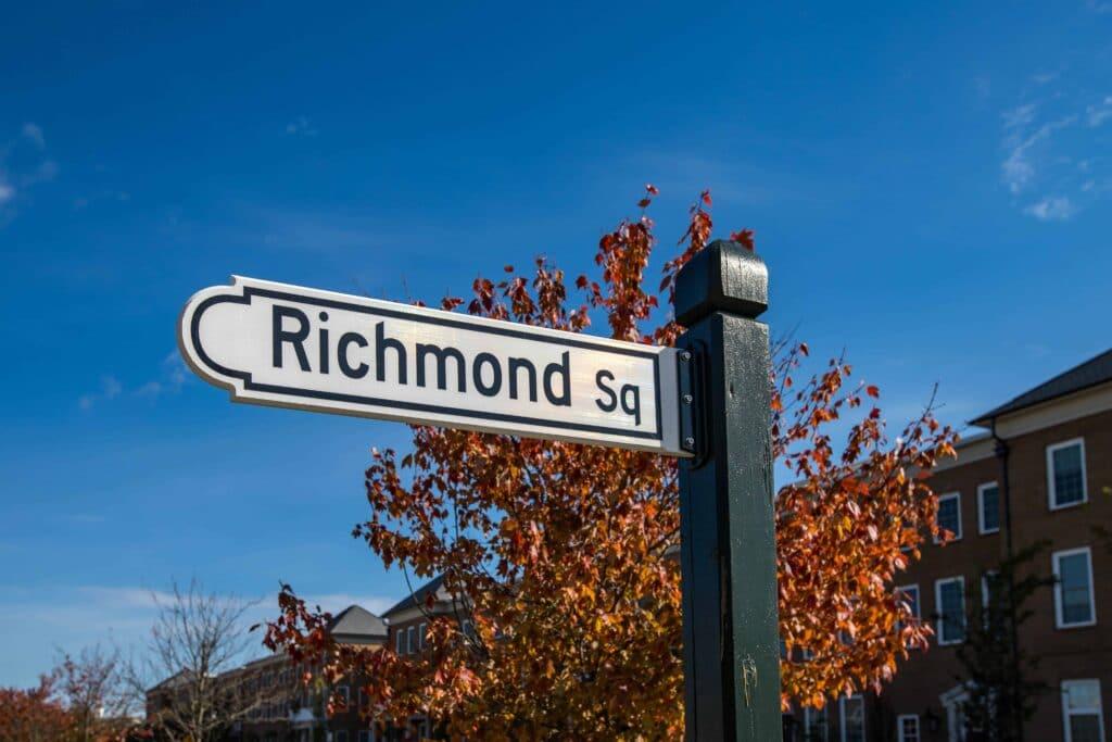 Richmond-Square-Sign
